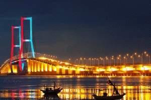 Jembatan+Suramadu